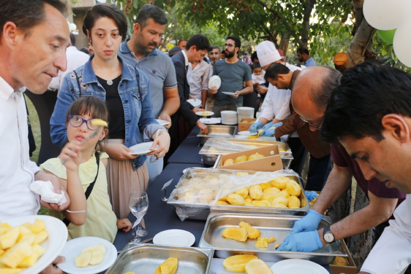 Pakistan Mango & Food Festival attracts huge gathering in Ankara