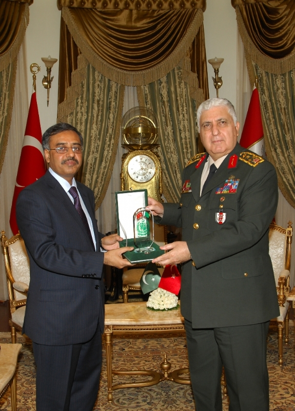 Closer Pakistan-Turkey cooperation emphasized in the defence field