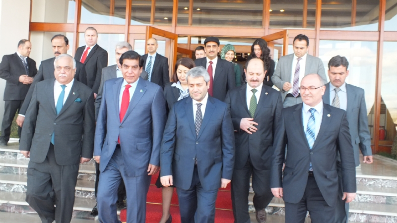 Prime Minister of Pakistan stopover at Ankara, Turkey