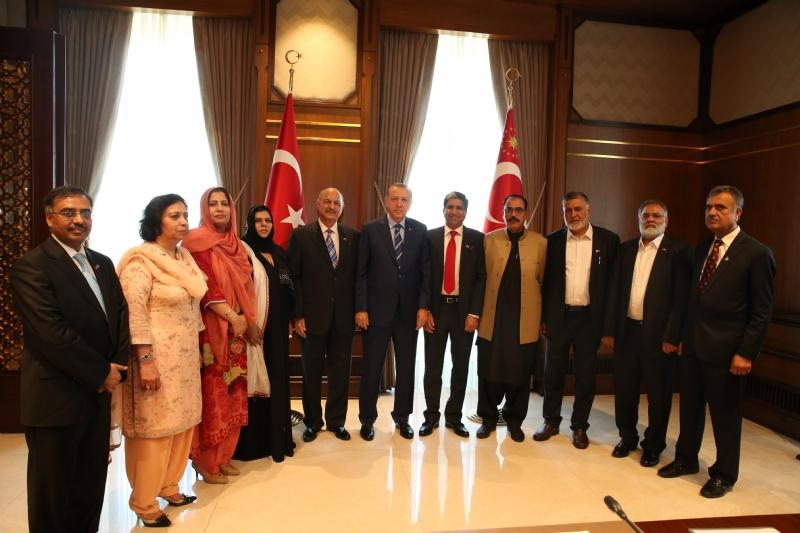 Erdogan meets Pakistan parliamentary delegation
