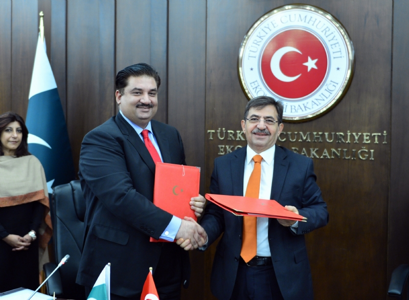 Turkey-Pakistan to take concrete steps to solidify commercial relations