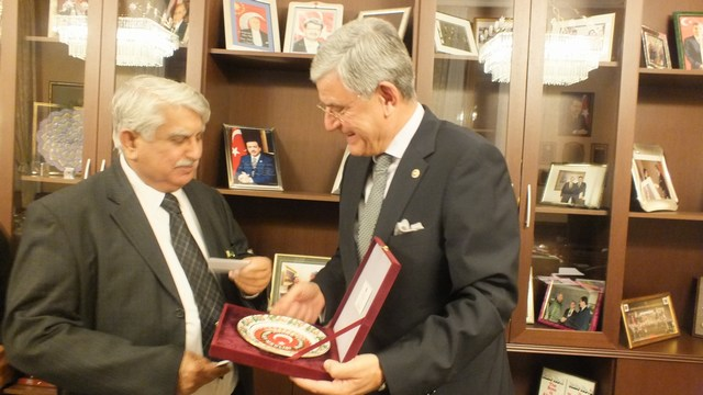 Pakistani Parliamentary delegation meets with Turkish counterparts