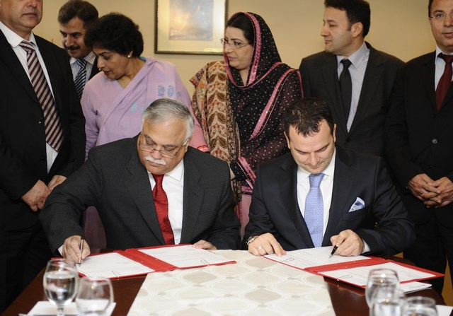 Pakistan-Turkey inks media cooperation agreement