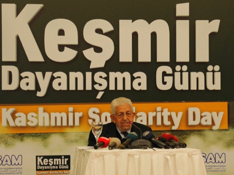 President of ESAM Mr. Recai Kutan making his welcome remarks at Kashmir Solidarity Day seminar in Ankara
