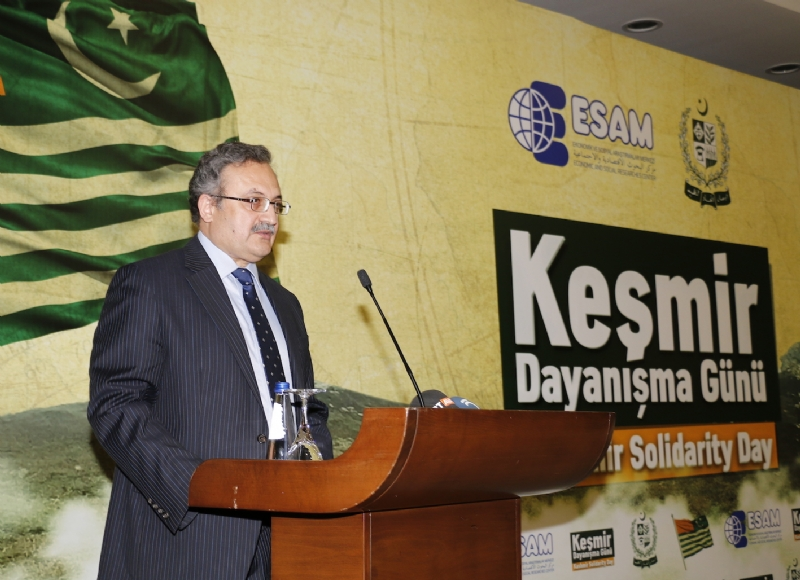 Pakistan's Ambassador to Turkey Syrus Sajjad Qazi addressing Kashmir Solidarity Day seminar.